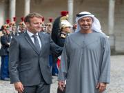 بن زايد يلتقي ماكرون في باريس لبحث تعزيز العلاقات الثنائية